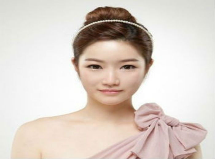 Your worry about sagging cheeks and double chin will be improved by non-invasive lifting procedure.
